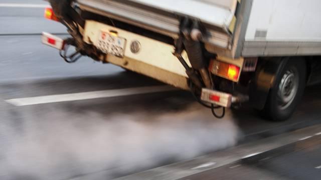 Beim Verkehr könnte CO2 eingespart werden (Symbolbild)