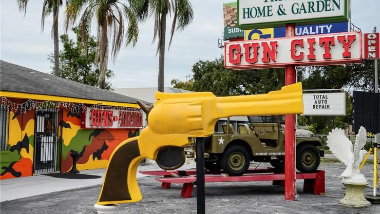 Verliebt in die Macht der Gewehre: Jennifer Clement hat über die Waffenkultur in den USA recherchiert.