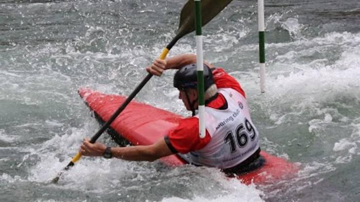 Die Athletinnen und Athleten geben beim Badener Slalom Vollgas.