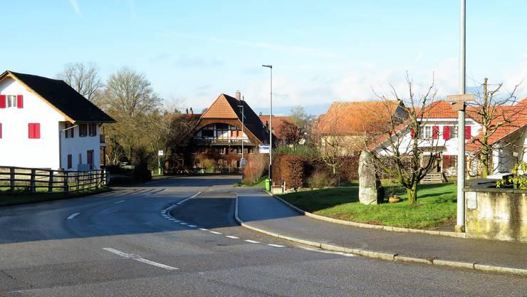 Das Trottoir an der Hünikenstrasse soll dorfauswärts verlängert werden.