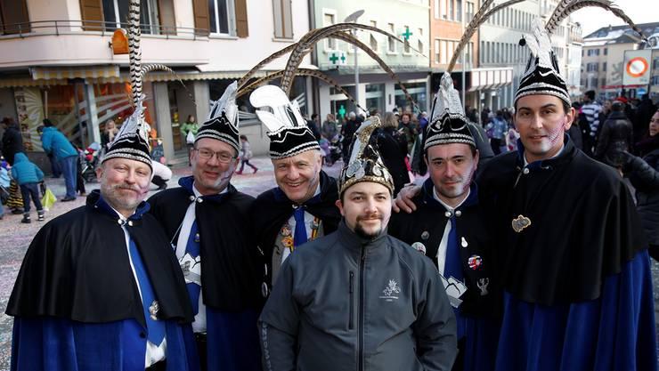 Die Karnevals-Delegation aus der belgischen Stadt Arlon verfolgte am Sonntag den Fasnachtsumzug in Grenchen. Hanspeter Bärtschi