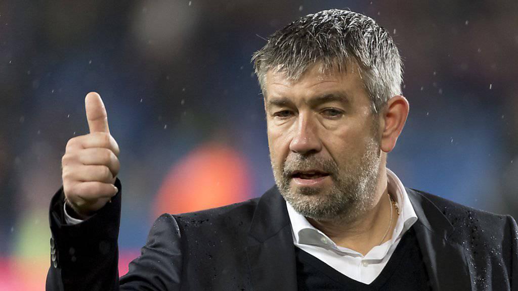 Daumen hoch: Urs Fischer hat die Mission Titelgewinn mit dem FC Basel bald erfüllt