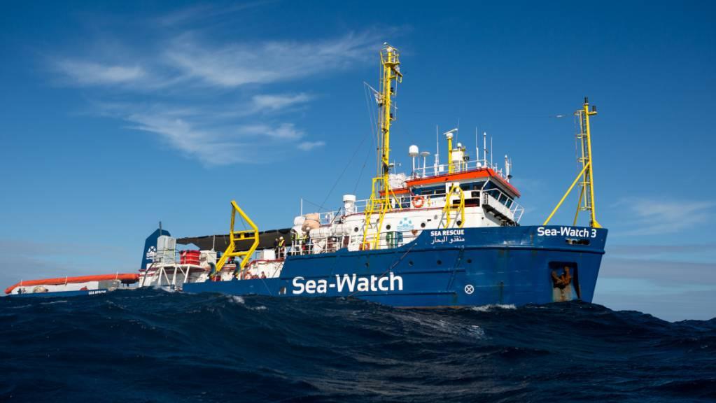 Das deutsche Flüchtlings-Rettungsschiff «Sea-Watch 3» auf See.