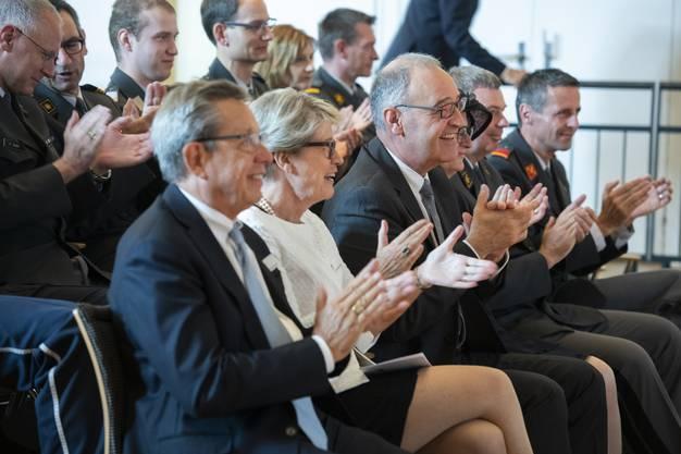 National-, Gross-, Regierungs-, Stadt- und Einwohnerräte, hochrangige Militärangehörige von inner- und ausserhalb des Kantons kamen zur Feier.