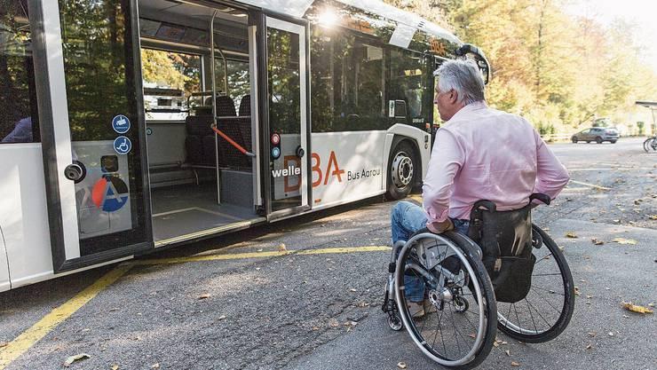 Erst wenige Bushaltestellen im Kanton sind barrierefrei.