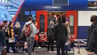 12,2 Milliarden Franken trägt der öffentliche Verkehr pro Jahr zum BIP bei. (Symbolbild)