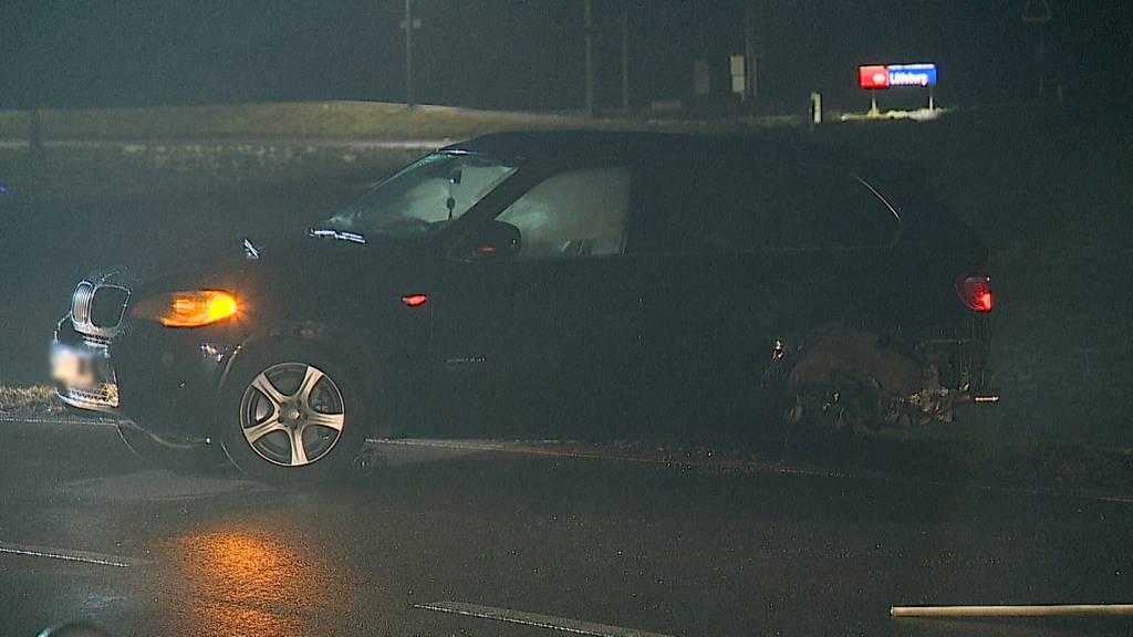 Auto prallt in Gegenverkehr - Vier Verletzte