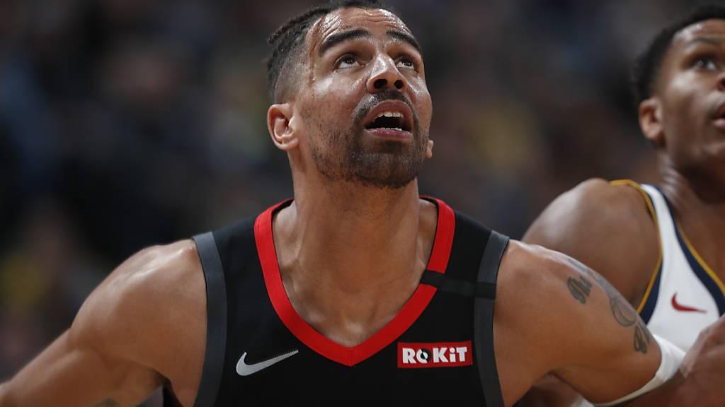Thabo Sefolosha (im Vordergrund) verzichtet auf das NBA-Saisonfinale mit den Houston Rockets im Walt Disney Resort in Orlando