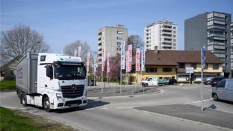 Immer mehr Verkehr auf der Landstrasse? Obersiggenthal sieht sich als Verlierer der kantonalen Strassenplanung. Bild: Alex Spichale (2. April 2019)