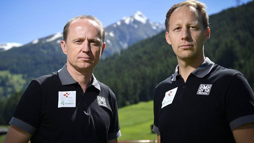 Kurt Betschart (links), technischer Direktor, und David Loosli (rechts), Sportdirektor, zogen vor der letzten Etappe eine positive Bilanz über die Tour de Suisse 2019