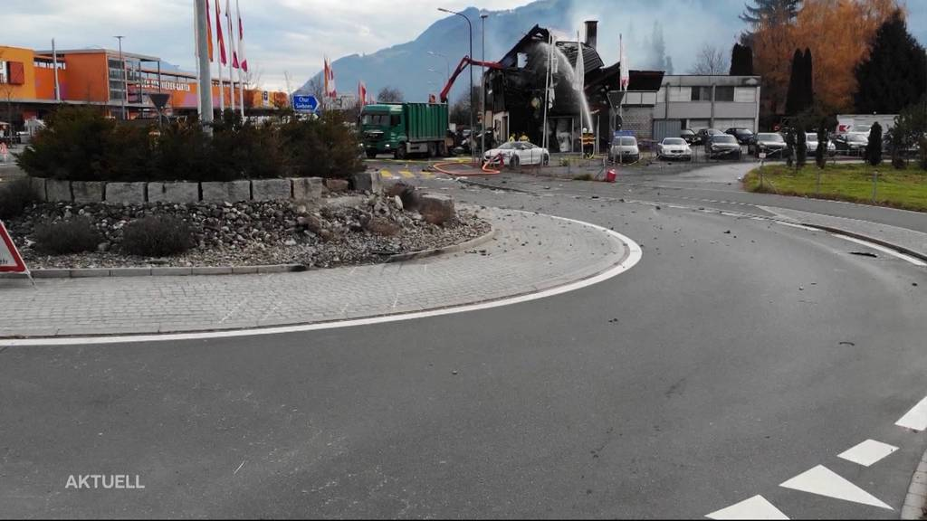 29-jähriger Schweizer ohne Führerausweis ist Crash-Fahrer von Galgenen