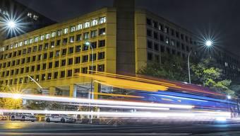 FBI-Hauptquartier in Washington: FBI-Mitarbeitende beklagen, dass sich der Shutdown negativ auf ihre Arbeit auswirkt. (Archivbild)