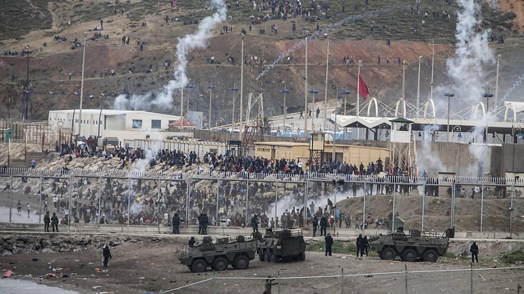 6000 Migranten aus Marokko erreichen Ceuta – Massive Abschiebungen