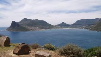 Vergessen sind die Sommertage, an denen Touristen die Strände von Kapstadt bevölkern – es ist gerade bitterkalt an Afrikas Südspitze. (Archivbild)