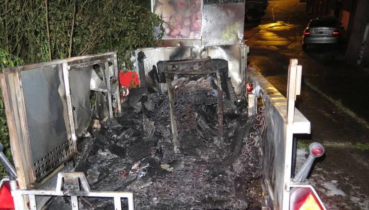 Die Feuerwehr habe den Brand gemäss Communiqué rasch löschen können.