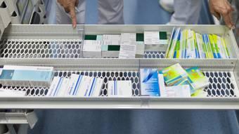 Eine Schublade mit Medikamenten (Symbolbild)