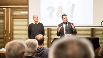 Urs Ammann (l.) und Martin Rüfenacht stellten sich den Fragen von 50 Horriwilerinnen und Horriwilern.