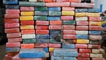 Der Kokain-Fund (im Bild), der im Rahmen einer Pressekonferenz des Hamburger Zolls vorgestellt wurde, soll einen Strassenverkaufswert von etwa 800 Millionen Euro haben.
