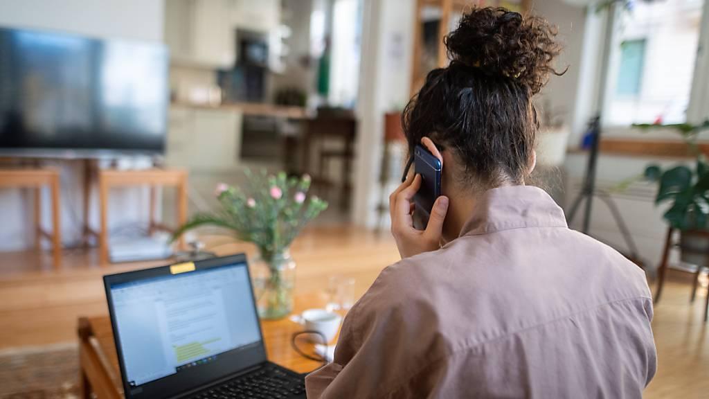 Während Lockdown: Fast jeder Zweite arbeitete im Home Office