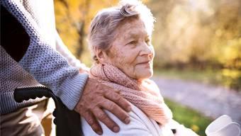 Das Ziel des Vereins Nachbarschaftshilfe Kelleramt ist es, dass ältere Leute weniger einsam sind und Struktur im Alltag haben.