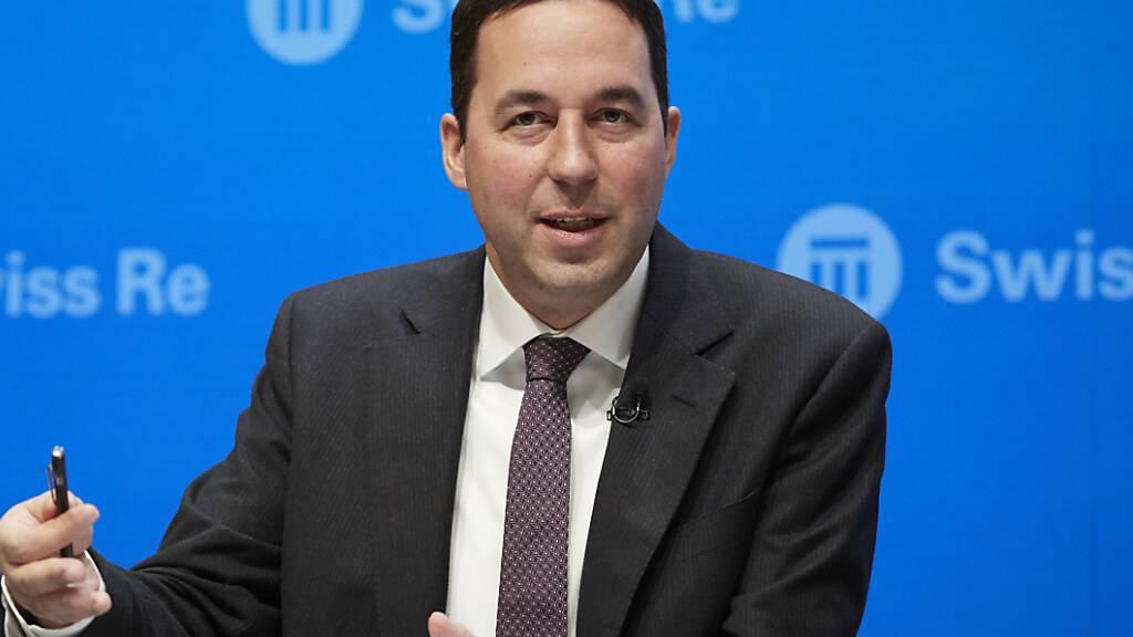 Swiss Re-Chef Christian Mumenthaler hat im Jahr 2020 leicht mehr verdient. Insgesamt erhielt er Vergütungen in Höhe von 6,1 Millionen Franken. 2019 waren es 5,9 Millionen Franken gewesen. (Archivbild)
