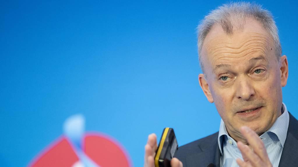 Swisscom-Konzernchef Urs Schaeppi setzt alles daran, damit es künftig zu keinen Ausfällen der Notruf-Dienste mehr kommt. (Archivbild)