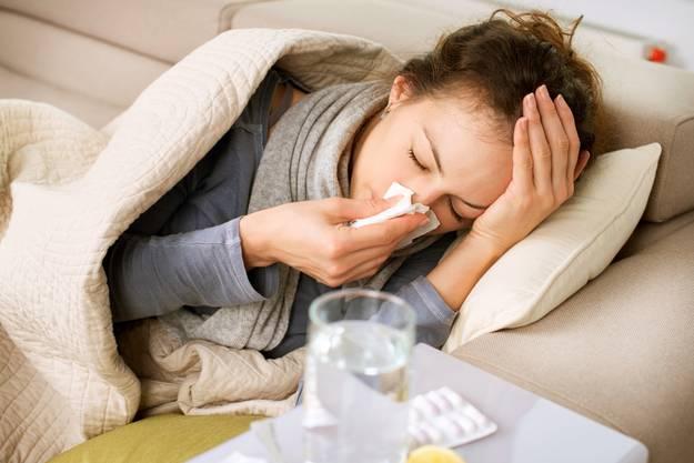Beim Auftreten von Symptomen muss sofort ein Arzt kontaktiert werden.