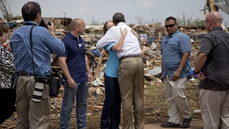 Obama reiste nach Oklahoma und tröstete vor Ort die Tornado-Opfer
