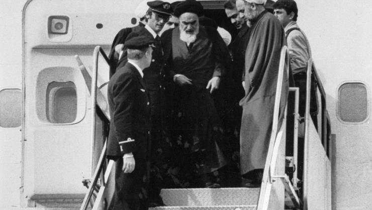 Die islamische Revolution vor 40 Jahren: Der religiöse Führer Ayatollah Ruhollah Chomeini bei seiner Rückkehr aus dem Exil am 1. Februar 1979. (Archiv)