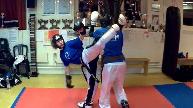 Kickboxing Wohlen: Die Hälfte der Schweizer Kickbox-Nationalmannschaft ist aus Wohlen.