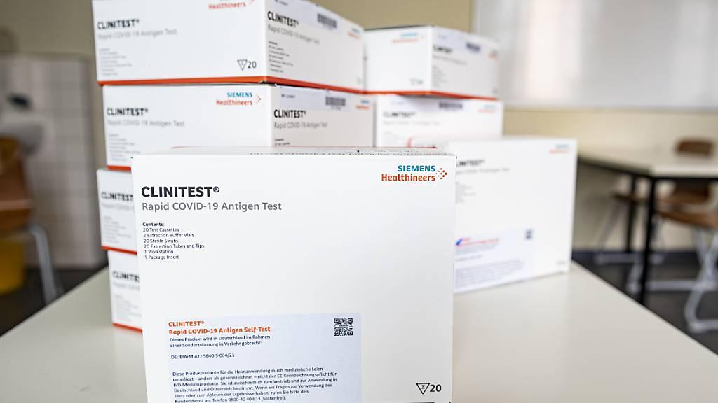 Siemens Healthineers hebt Prognose an - Boom mit Corona-Tests (Archiv)