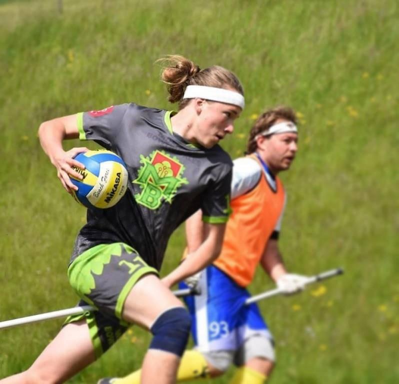 Der 16-jährige Jan Kläger spielt in Mosnang Quidditch. (© Flavia Luz)