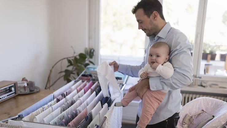 Künftig können sich Staatsangestellte länger um ihre Babys kümmern.