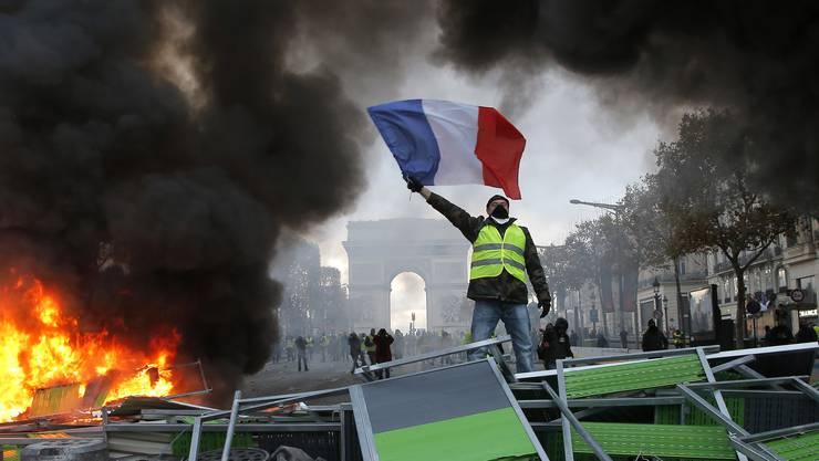 Gelbwesten-Proteste mitten in Paris: Am Wochenende droht die Eskalation.