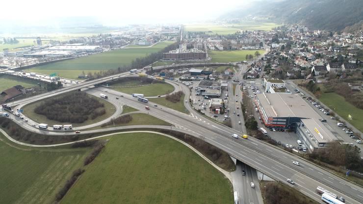 Die Autobahn prägt das Dorfleben in Egerkingen. Der Gäupark (links oben) hat sich zum eigentlichen Zentrum des Dorfes gemausert. Aber auch das einstige Kerndorf am Jurasüdfuss wuchs stark.