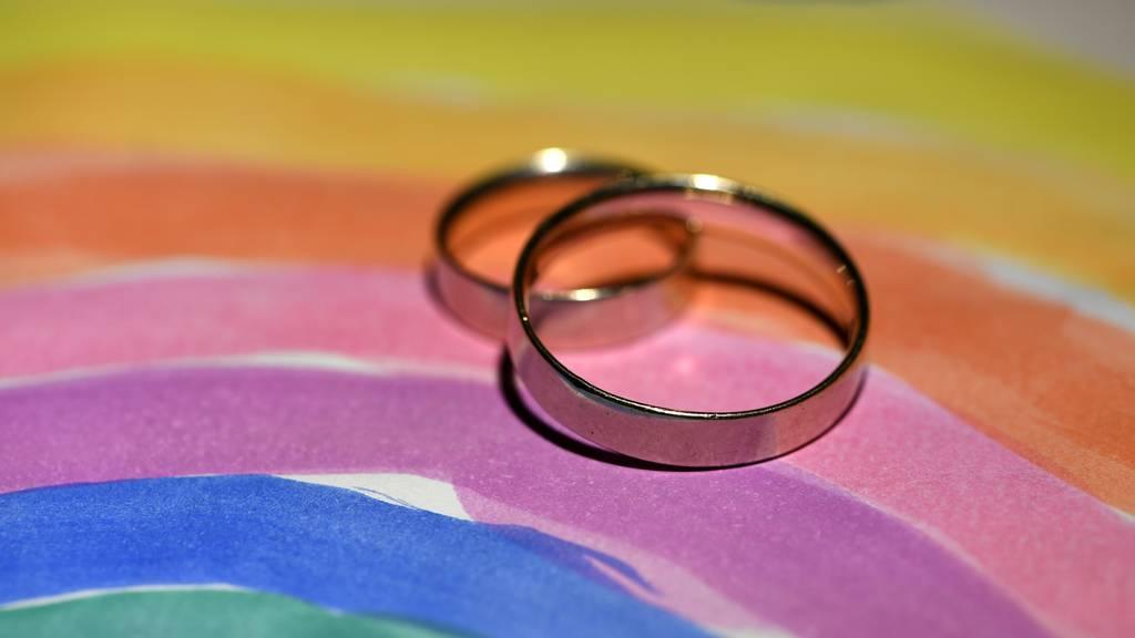 Bundesrat sagt Ja zur «Ehe für alle» und eröffnet Abstimmungskampf