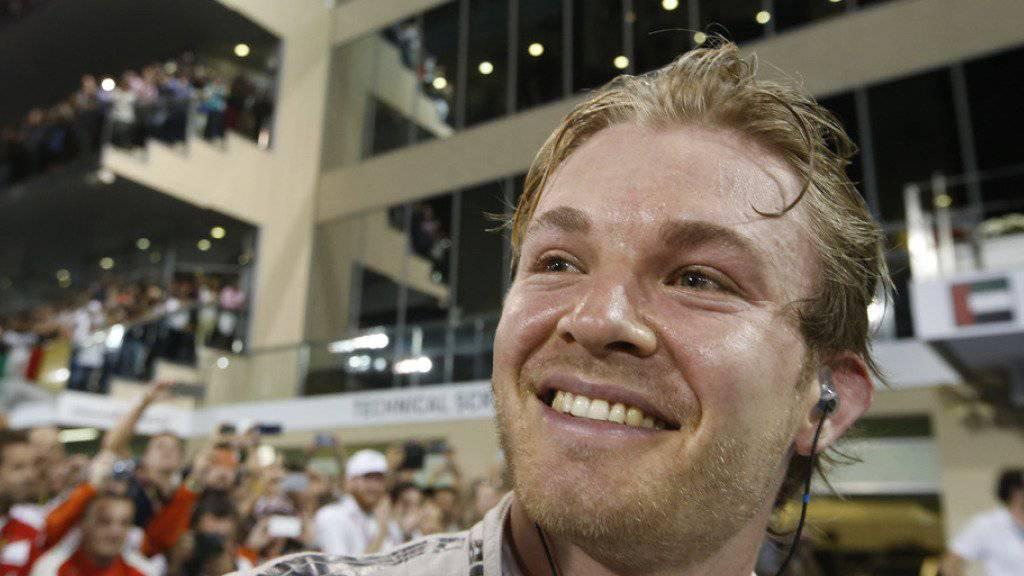 Es ist noch kein Meister vom Himmel gefallen: Auf seine Vaterrolle hat sich Rennfahrer Nico Rosberg mit einem Labrador vorbereitet (Archiv).