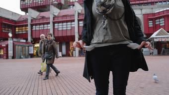 Leere Taschen zum Jahresbeginn – Tatsache oder doch eher ein cleverer Marketingstreich? Walter Schwager