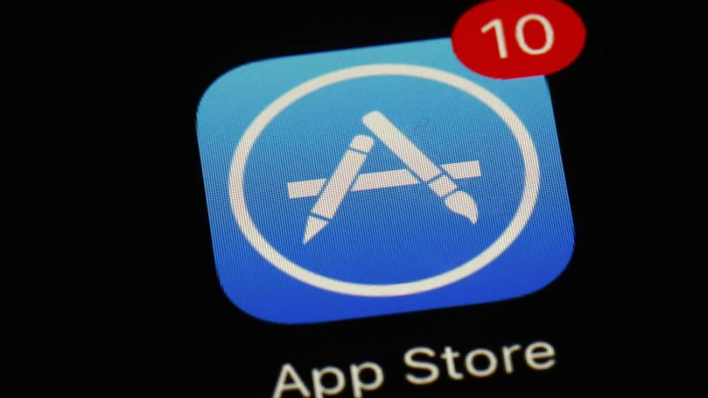 Der Handyriese Apple senkt die App-Store-Abgabe für App-Entwickler, die weniger als eine Million Dollar pro Jahr einnehmen. Damit reagiert Apple auf die Kritik an den hohen Abgaben.(Archivbild)