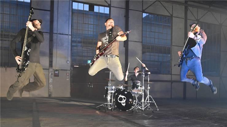 Die Band Numbitious ist immer mit voller Energie auf der Bühne dabei.