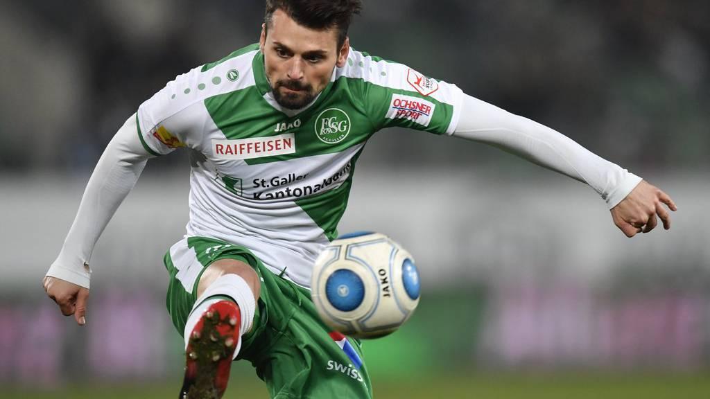Im Dezember 2016 lief er noch in Grün-Weiss auf: Albert Bunjaku. (Archivbild)