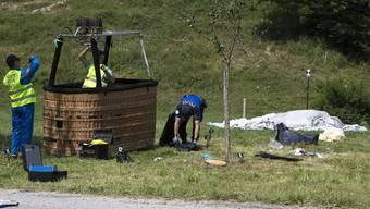 Ein Toter und vier Verletzte bei Ballonabsturz im Kanton Freiburg