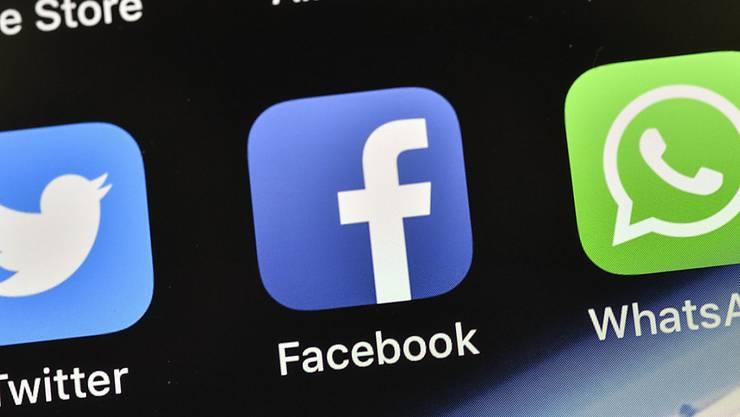 """Wegen Online-Werbung und der Gefahr von """"Fake News"""": Australiens Wettbewerbshüter fordern eine strengere Aufsicht über die US-Technologieriesen Facebook und Google. (Symbolbild)"""