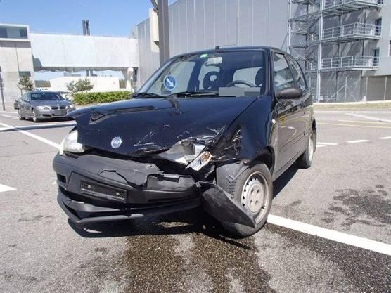 An den Fahrzeugen entstand ein Sachschaden von 10'000 Franken.