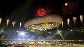 Viel Prunk, noch grössere Skandale: Nach den «Commonwealth Games» jagen sich die Schlagzeile über Korruption - auch Schweizer Firmen werden genannt.