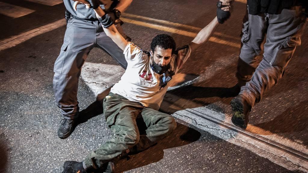Zwölf Festnahmen bei Demonstrationen gegen Netanjahu in Tel Aviv