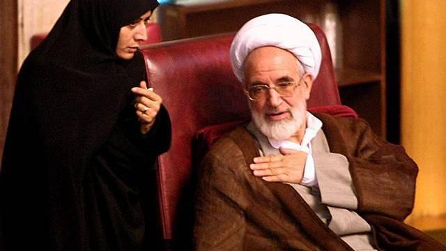 Karubi (r.) im iranischen Parlament