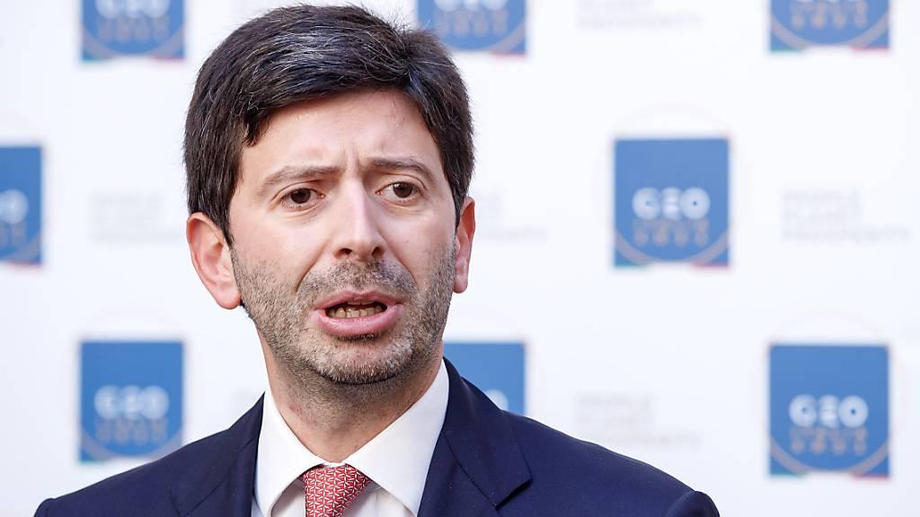 FILED - Italiens Gesundheitsminister, Roberto Speranza, spricht während einer Pressekonferenz auf der G20-Gesundheitsministerkonferenz. Photo: Roberto Monaldo/LaPresse via ZUMA Press/dpa