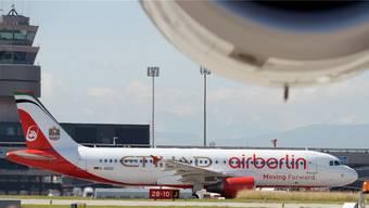 Ein Air-Berlin-Flugzeug in Zürich. Auch Maschinen der Tochtergesellschaft Belair trugen ab 2009 den Schriftzug. KEYSTONE/Steffen Schmidt