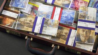 Der Bundesrat will internationale Empfehlungen gegen Geldwäscherei und Terrorismusfinanzierung umsetzen. Neue Regeln gelten für Vereine und für bestimmte Berater.